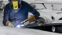 Aston Martin DB5 Goldfinger Continuation: la carrozzeria è in alluminio