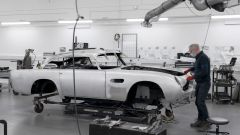 Aston Martin DB5 Goldfinger Continuation: lavori in corso sul primo esemplare