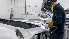 Aston Martin DB5 Goldfinger Continuation: per ogni auto servono 4.500 ore di lavoro