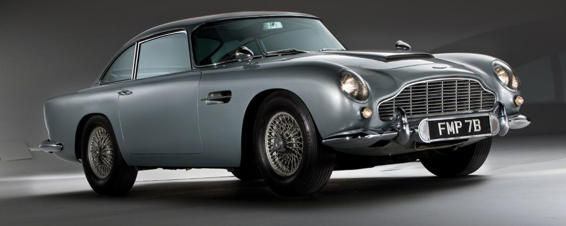 Aston Martin DB5: arriva la replica fedele, gadget inclusi, dell'auto di Bond