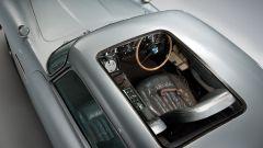 Aston Martin DB5: arriva la replica fedele, gadget inclusi, dell'auto di Bond - Immagine: 5