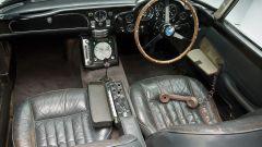 Aston Martin DB5: arriva la replica fedele, gadget inclusi, dell'auto di Bond - Immagine: 8