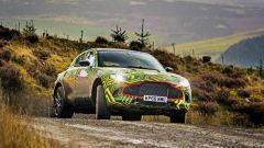 Aston Martin DBX: i test su strada prima del lancio nel 2019 - Immagine: 2