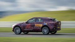 Aston Martin DBX, la fiancata