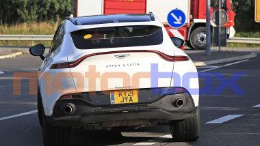 Aston Martin DBX mild hybrid: visuale posteriore