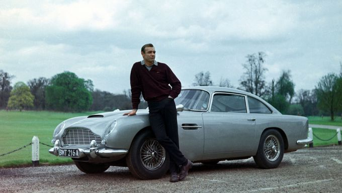Aston Martin e Bowmore: la DB5 di James Bond, alias agente 007