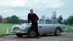 Aston Martin e Bowmore: la DB5 è stata anche l'auto di James Bond, agente 007