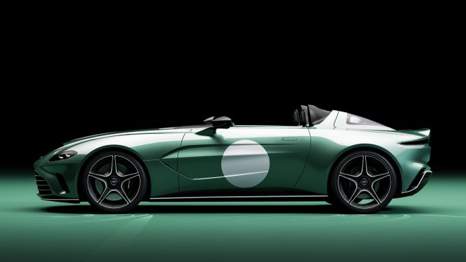 Aston Martin V12 Speedster DBR1: tributo ai successi degli anni '50