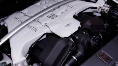 Aston Martin V12 Vantage Roadster, nuove foto e dati - Immagine: 30