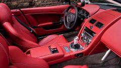 Aston Martin V12 Vantage Roadster, nuove foto e dati - Immagine: 23