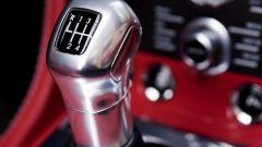 Aston Martin V12 Vantage Roadster, nuove foto e dati - Immagine: 22
