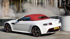 Aston Martin V12 Vantage Roadster, nuove foto e dati - Immagine: 16