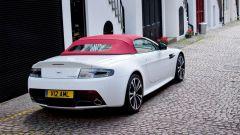 Aston Martin V12 Vantage Roadster, nuove foto e dati - Immagine: 2