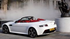 Aston Martin V12 Vantage Roadster, nuove foto e dati - Immagine: 7