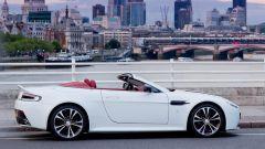 Aston Martin V12 Vantage Roadster, nuove foto e dati - Immagine: 9
