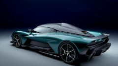 Aston Martin Valhalla, l'ibrido va in paradiso. Ferrari SF90 attenta - Immagine: 2