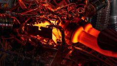 Aston Martin Valhalla 2022: il motore sul banco prova per i test di potenza e coppia
