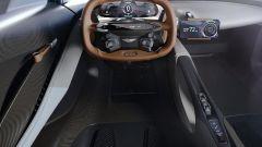 Aston Martin Valhalla 2022: l'abitacolo della supercar