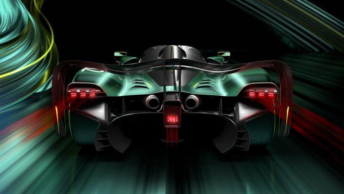 Aston Martin Valkyrie AMR PRO: motore convenzionale da 1.000 CV e pacchetto aerodinamico speciale