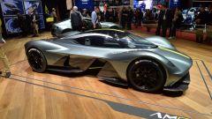 Aston Martin Valkyrie AMR Pro: quella da pista - Immagine: 5