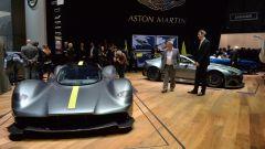 Aston Martin Valkyrie AMR Pro: quella da pista - Immagine: 8