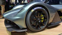 Aston Martin Valkyrie AMR Pro: quella da pista - Immagine: 9