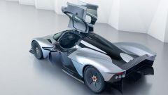 Aston Martin Valkyrie ha portiere ad ali di gabbiano
