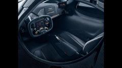 Aston Martin Valkyrie: l'abitacolo con i sedili montati direttamente sul telaio