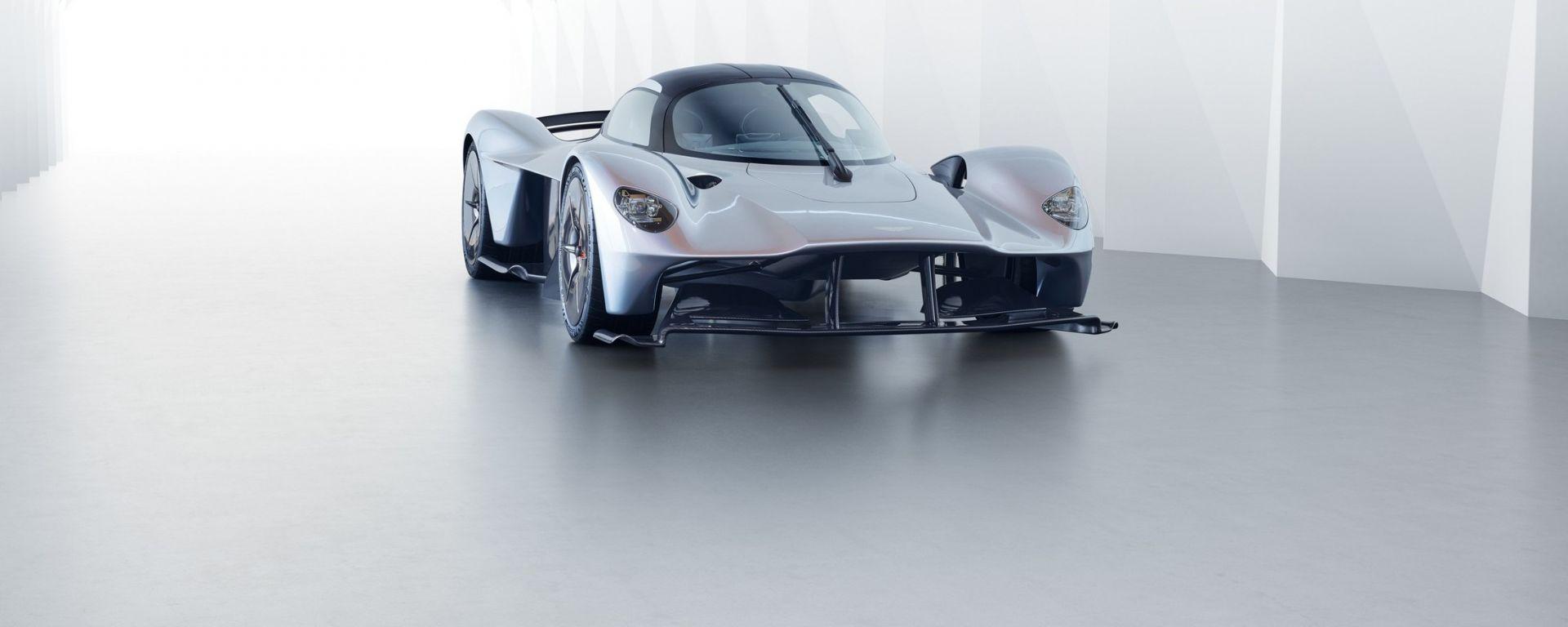 Aston Martin Valkyrie: le prime foto e informazioni ufficiali