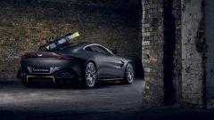 Aston Martin Vantage 007 Edition: visuale di 3/4 posteriore
