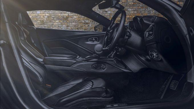 Aston Martin Vantage 997 Edition: gli interni