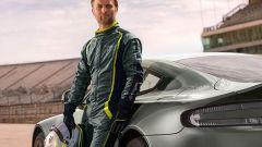 Aston Martin Vantage AMR tuta