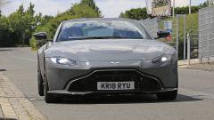 Aston Martin Vantage S: 550 CV dal fascino british - Immagine: 2