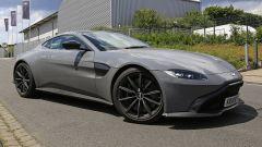 Aston Martin Vantage S: 550 CV dal fascino british - Immagine: 1