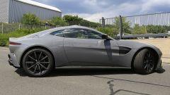 Aston Martin Vantage S: 550 CV dal fascino british - Immagine: 5