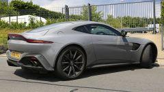 Aston Martin Vantage S: 550 CV dal fascino british - Immagine: 6