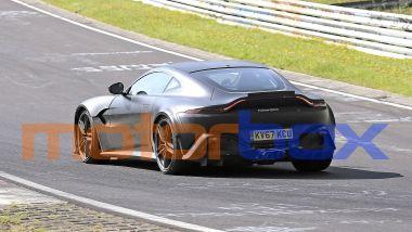 Aston Martin Vantage V12 RS: visuale posteriore