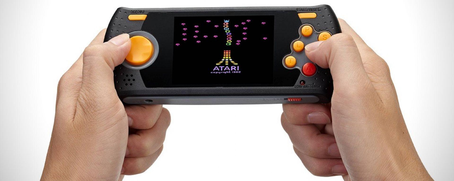Atari Flashback Portable: da Atgames la console portatile per i retro-gamers