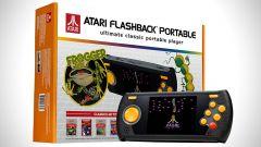 Atari Flashback Portable: da Atgames una console portatile con 60 giochi vintage