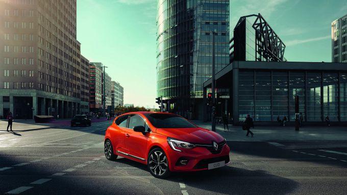 Atteso il debutto della Renault Clio ibrida