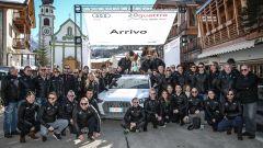 Audi 20quattro ore delle Alpi: gruppo di gara in un esterno con piloti, navigatori e parte delle 92 persone che hanno fatto gira