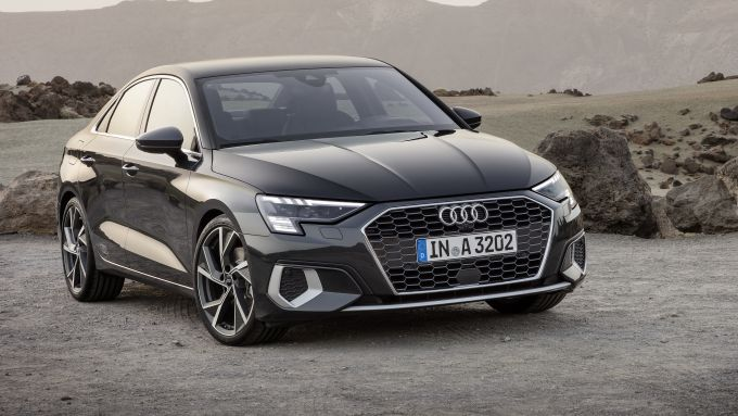 Audi 40 TFSI: ecco Audi A3 Sedan, vista di 3/4 anteriore