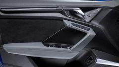 Audi A3 Sportback 2020: le forme squadrate del pannello porta