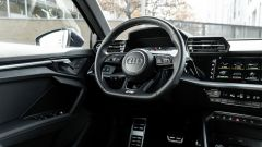 Audi A3 Sportback 30 g-tron: elegante e curata la plancia