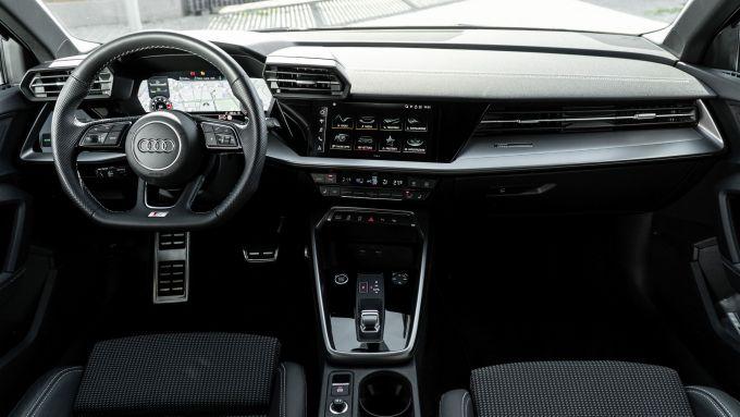 Audi A3 Sportback 30 g-tron: gli interni