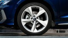 Audi A3 Sportback 30 g-tron: i cerchi in lega da 18