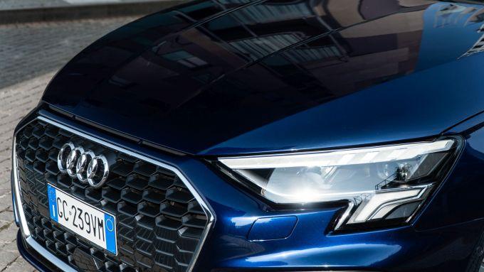 Audi A3 Sportback 30 g-tron: il muso aggressivo