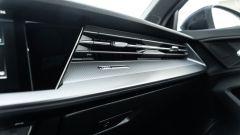 Audi A3 Sportback 30 g-tron: la plancia davanti al passeggero