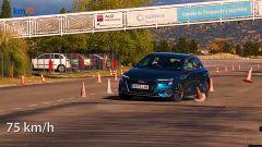 Audi A3 Sportback A35 TDI 2020, test dell'alce a 75 km/h - Foto Km77 YouTube