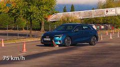 Audi A3 Sportback A35 TDI 2020, test dell'alce a 75 km/h: secondo cambio di direzione - Foto Km77 YouTube
